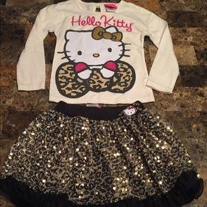 Size 4 Hello Kitty 🐱 Outfit!